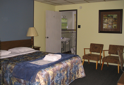 Enjoy clean and comfortable motel rooms at Motel Spring.