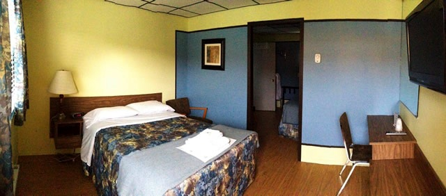 Motel Spring; 2 Bedrooms, each with a double bed