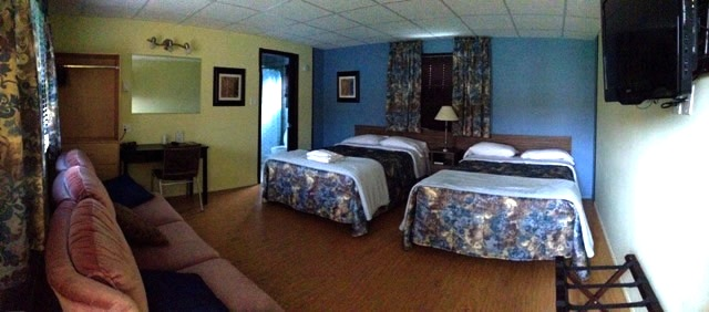 Motel Spring; 2 Double Beds